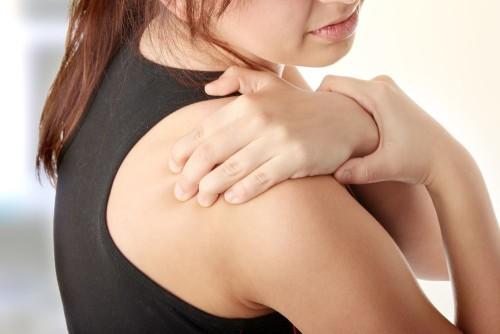 Боль в плечах