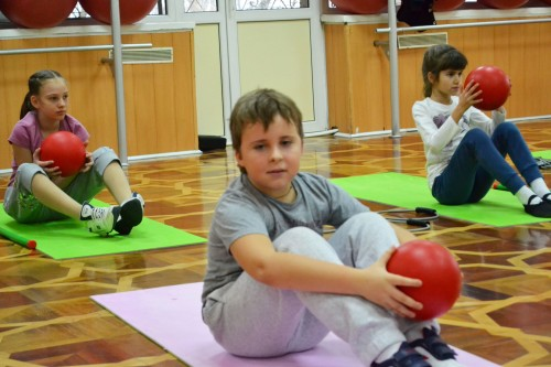 Комплекс упражнений для укрепления спины для беременных и детей