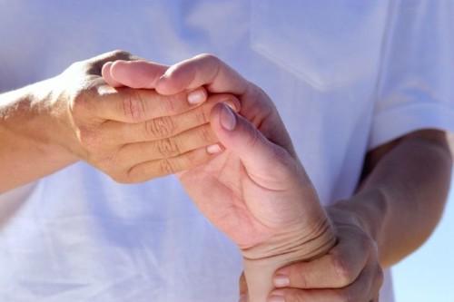Причины, симптомы, виды, лечение полиартрита пальцев рук