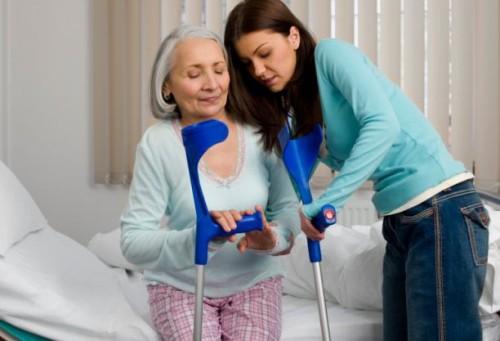 Особенности реабилитации после перелома шейки бедра