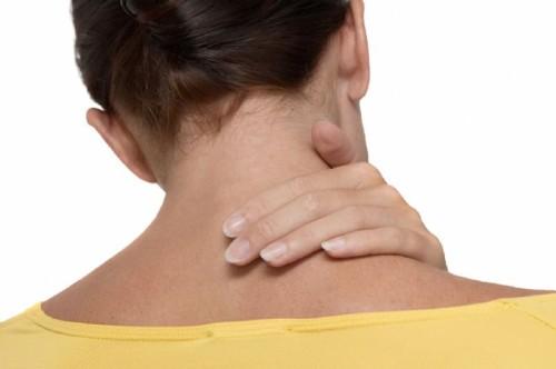 Симптомы, причины возникновения и лечение защемления нерва в шейном отделе