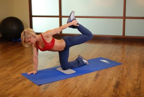 Упражнения для укрепления спины при остеохондрозе