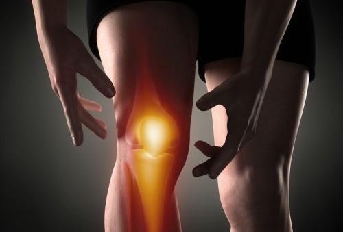 Болит колено при ходьбе у подростка: причины
