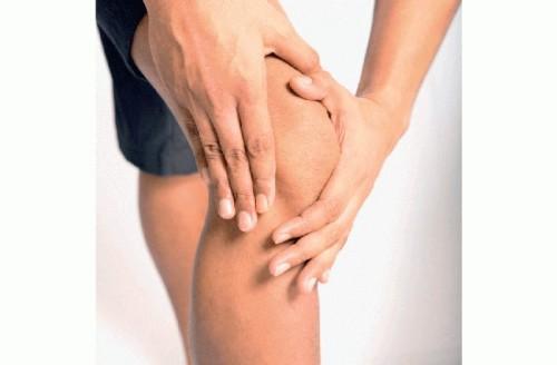 Что предпринять, когда болит колено при приседании