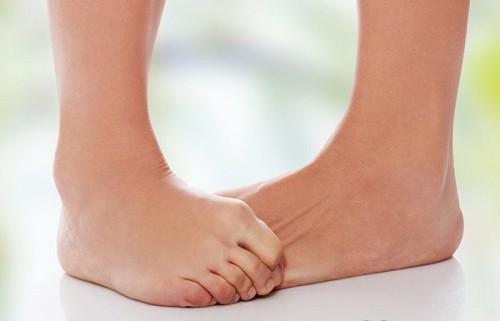 Почему возникает бурсит большого пальца стопы