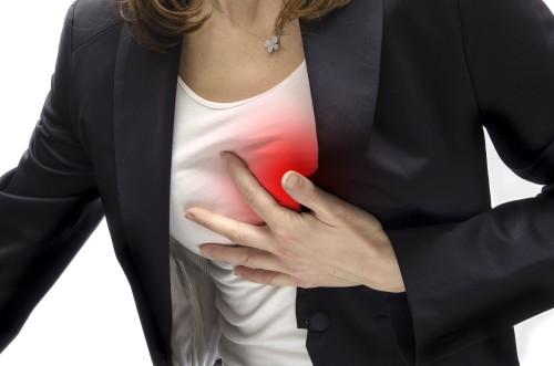 Ноющая боль в левом плече - тревожный симптом! Она может указывать на проблемы с сердцем!