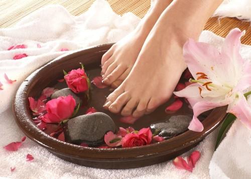 Простые народные средства такие, как ванночки и примочки помогли многим обрести легкость!