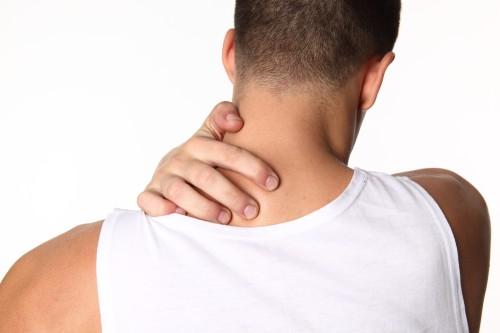 Почеу болит плечо