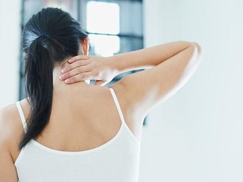 Правила и особенности самомассажа при шейном остеохондрозе